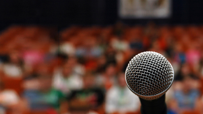 10 ways to become a successful motivational speaker